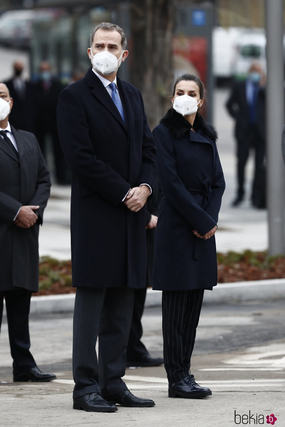 Los Reyes Felipe y Letizia en el acto de inauguración del monumento en memoria a los sanitarios fallecidos durante la pandemia