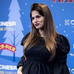 Sara Sálamo presume de su segundo embarazo en el estreno de una obra teatral
