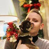Charlene de Mónaco disfruta de la Navidad 2020 con su mascota