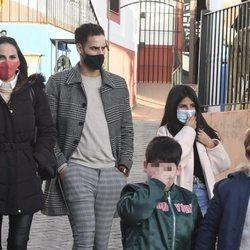 Irene Rosales, Asraf Beno e Isa Pantoja se reúnen en Navidad junto a sus hijos