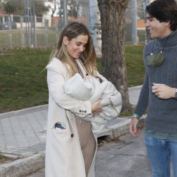 María Pombo y Pablo Castellano presentan a su hijo Martín Castellano Pombo