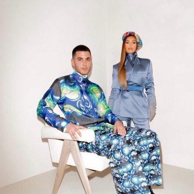 Fai Khadra posando junto a Kim Kardashian en una campaña para Dior
