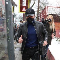 David Bustamante acudiendo a un centro médico en Madrid