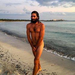 Rubén Cortada completamente desnudo para anunciar su regreso a las redes sociales