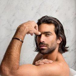 Rubén Cortada en una sesión de fotos para Madmen Magazine