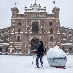 La Plaza de Toros de Las Ventas cubierta de nieve tras la gran nevada de Madrid de 2021 provocada por Filomena