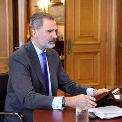 El Rey Felipe teletrabaja en su despacho por la gran nevada de Madrid de enero de 2021