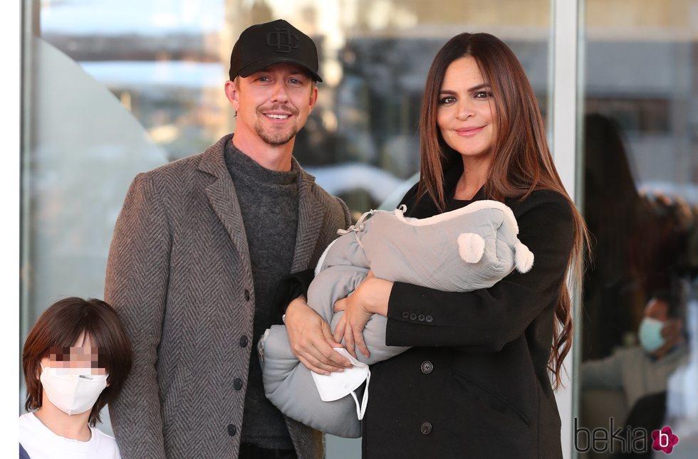 Guti y Romina Belluscio presentan a su segundo hijo