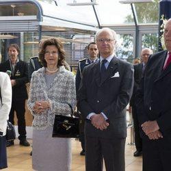 Carlos Gustavo y Silvia de Suecia con Harald y Sonia de Noruega en Harstad