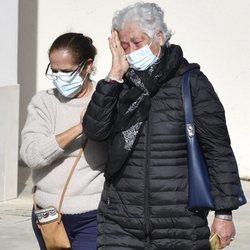 Teresa Rivera llegando al tanatorio de José Rivera 'Riverita'