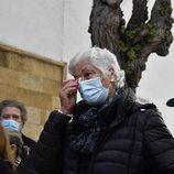 Teresa Rivera llorado en el funeral de José Rivera 'Riverita'