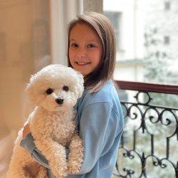 Athena de Dinamarca con su perrito por su noveno cumpleaños