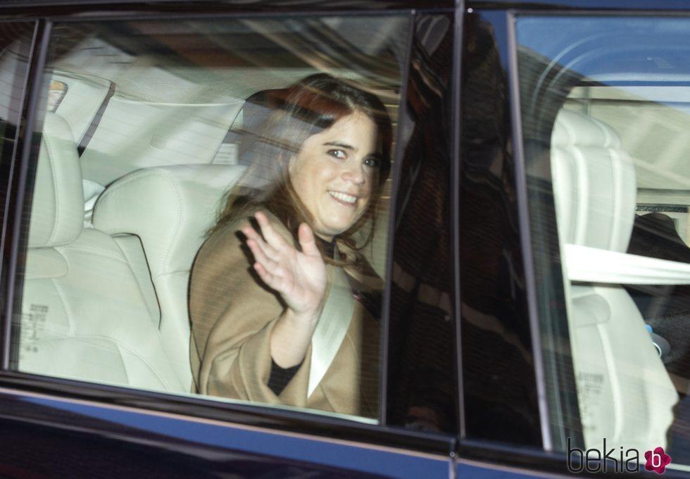 Eugenia de York saliendo del Portland Hospital de Londres tras dar a luz