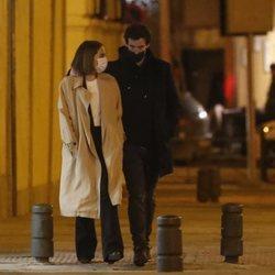Tamara Falcó con Íñigo Onieva dando un paseo por Madrid