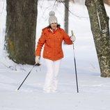 Silvia de Suecia practicando esquí de fondo