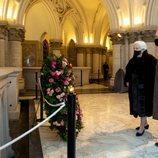 Alberto y Paola de Bélgica visitan la Cripta Real de la Familia Real Belga
