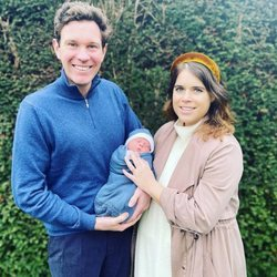 Eugenia de York y Jack Brooksbank presentan a su hijo August