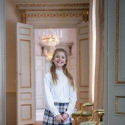 Estela de Suecia, muy sonriente en su 9 cumpleaños