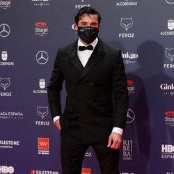 Álex García en la alfombra roja de los Premios Feroz 2021