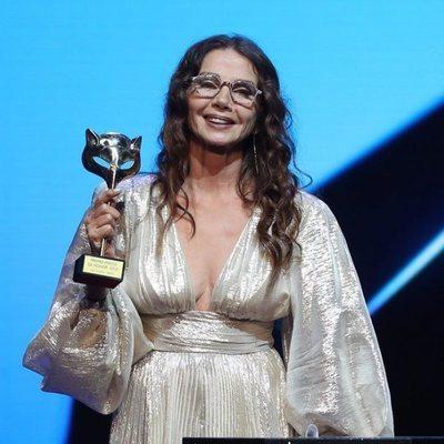 Victoria Abril con su Premio Feroz de Honor 2021