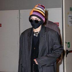 Gigi Hadid tras grabar el desfile de Versace en Milán