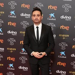 Juan Antonio Bayona en la alfombra roja de los Goya 2021