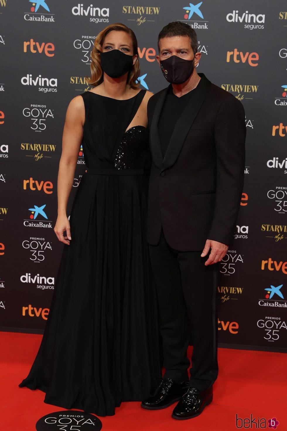 Antonio Banderas y María Casado en la alfombra roja de los Goya 2021