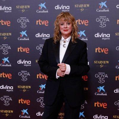 Emma Suárez en la alfombra roja de los Goya 2021
