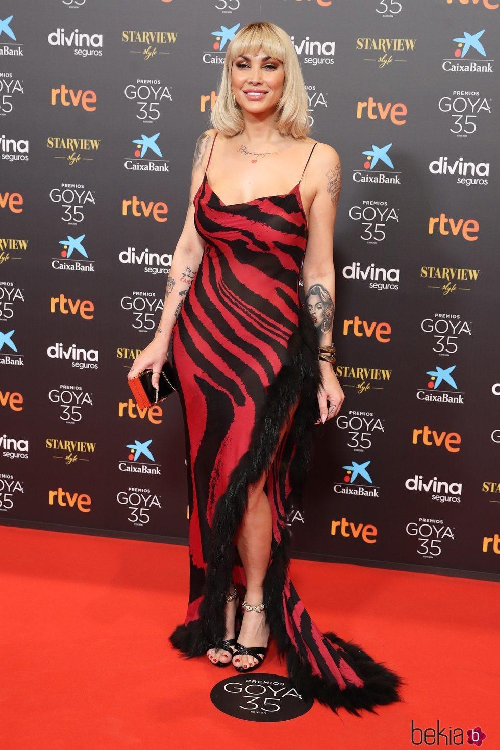Daniela Santiago en la alfombra roja de los Goya 2021