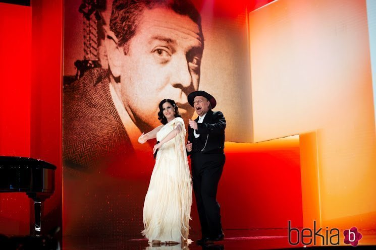 Carlos Latre y Diana Navarro en su actuación en los Goya 2021