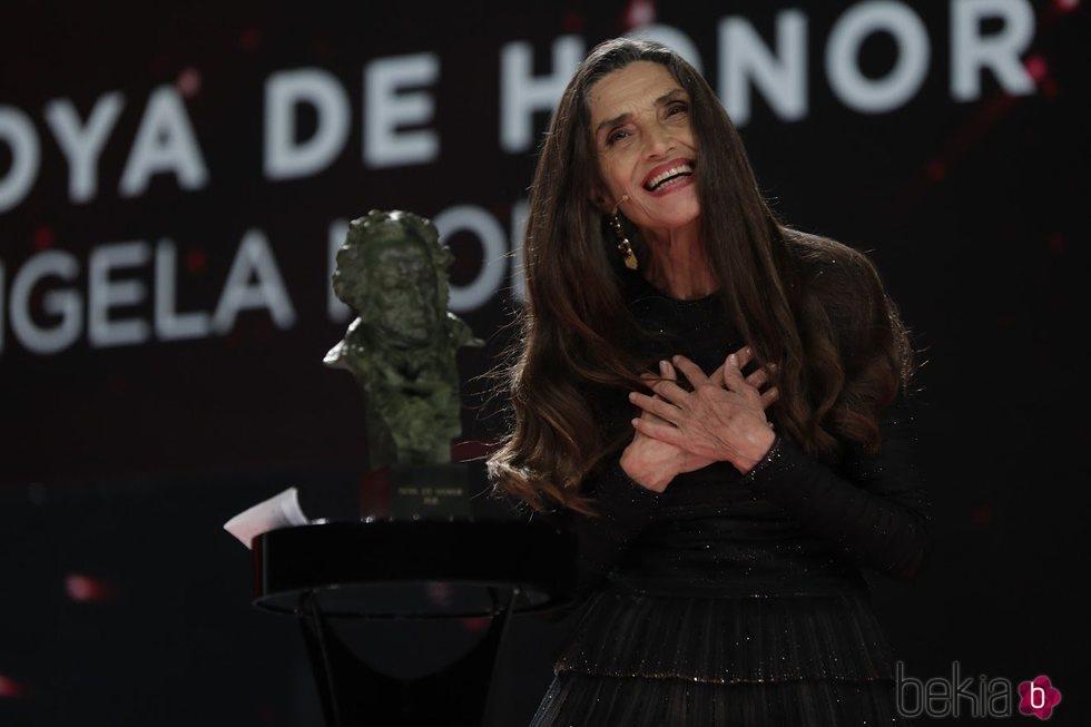 Ángela Molina recibiendo su Goya de Honor 2021