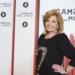 María Teresa Campos presentando 'La Campos móvil'