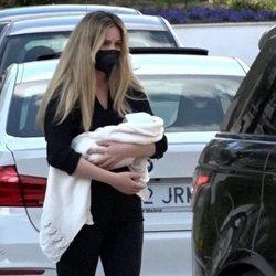 Edurne acude a una revisión médica con su hija Yanay