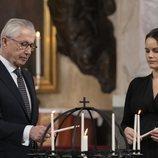 Tord Magnuson y Sofia de Suecia en el homenaje de la Familia Real Sueca a las víctimas de la pandemia