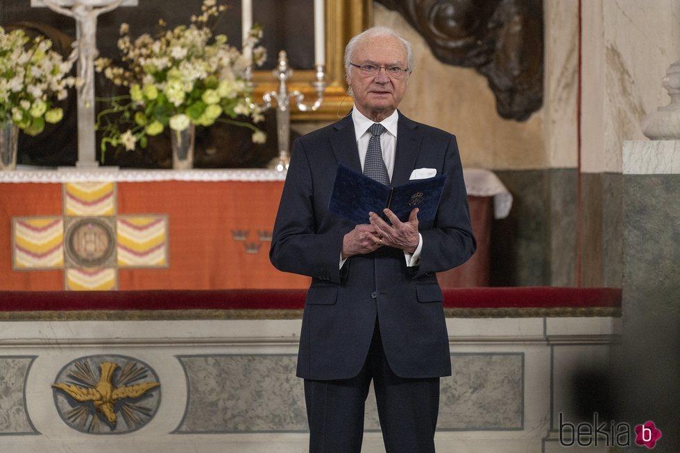 Carlos Gustavo de Suecia en el homenaje de la Familia Real Suecia a las víctima de la pandemia