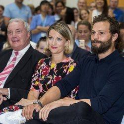 Jamie Dornan, su hermana Jessica Dornan y su padre Jim Dornan