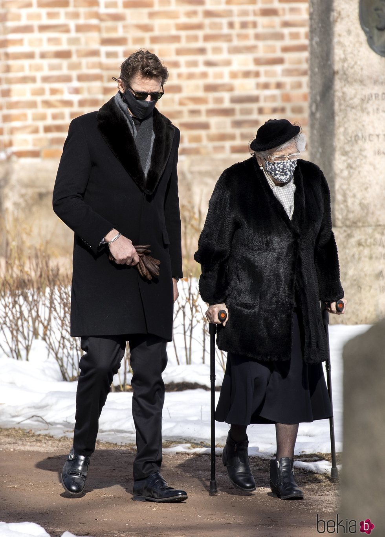 Astrid de Noruega en el funeral de Erling Lorentzen