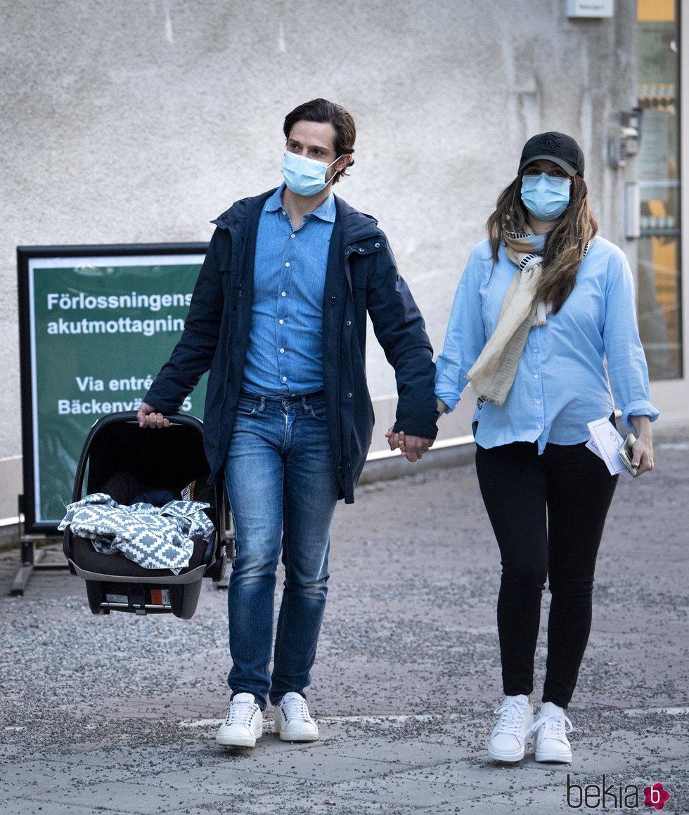Carlos Felipe y Sofia de Suecia salen del hospital con su tercer hijo en el día de su nacimiento