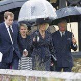 Camilla Parker con sus hijos Tom Parker Bowles y Laura Lopes y el Príncipe Carlos en el funeral de Mark Shand