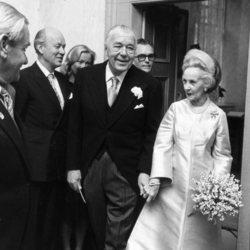 Bertil y Lilian de Suecia en su boda