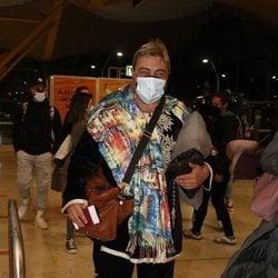 Antonio Canales en el aeropuerto de Madrid para irse a 'Supervivientes 2021'