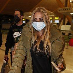 Sylvia Pantoja en el aeropuerto de Madrid para irse a 'Supervivientes 2021'