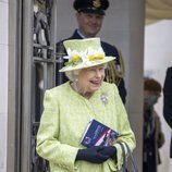 La Reina Isabel muy sonriente en su primer acto oficial de 2021