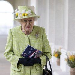 La Reina Isabel acudiendo al primer acto oficial de 2021