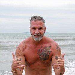 Carlos Alba en la playa de Honduras en 'Supervivientes 2021'