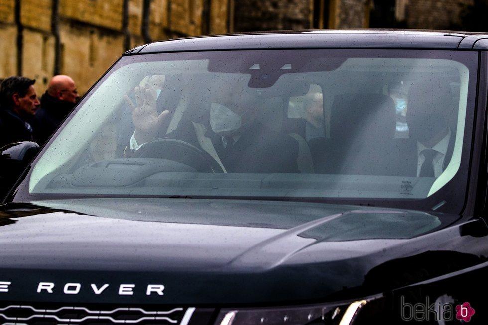 El Príncipe Andrés llegando al castillo de Windsor tras la muerte del Duque de Edimburgo