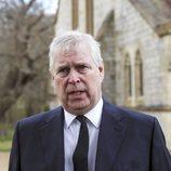 El Príncipe Andrés acude a una misa en memoria del Duque de Edimburgo