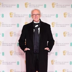 Jonathan Pryce en los BAFTA 2021
