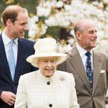 La Reina Isabel, el Duque de Edimburgo y el Príncipe Guillermo en Windsor en 2014