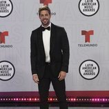 William Levy en la alfombra roja de los Latin American Music Awards 2021